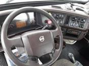 2015 Volvo VNL300