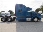 2014 Peterbilt 587 - Semi Truck