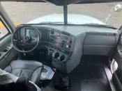 2003 Freightliner Columbia