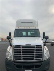 2015 Freightliner Cascadia - Day Cab