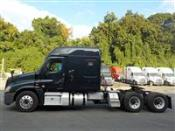 2017 Freightliner Cascadia EVO - Sleeper Truck