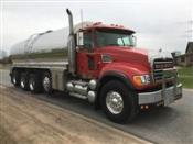 2003 Mack CV713