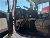 2012 Volvo VNL64T - Day Cab