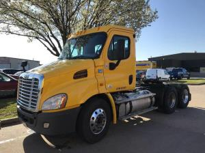 FREIGHTLINER CASCADIA Semi Trucks For Sale | Page 19