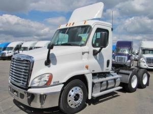 FREIGHTLINER Semi Trucks For Sale in California | Page 4