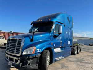 2012 Freightliner CASCADIA CA125SLP - Sleeper Truck