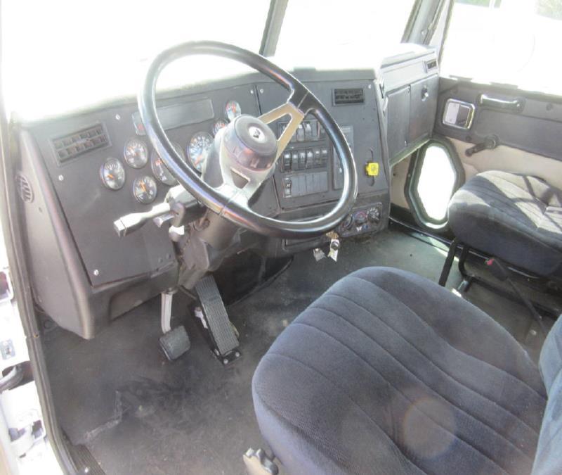 2006 Western Star 4900 SA - Cab & Chassis