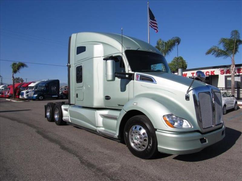 2014 Kenworth T680 Semi Truck Fontana Ca