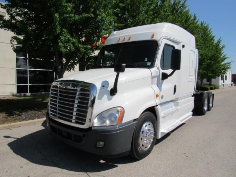 2013 Freightliner CASCADIA | Semi Truck - Kansas City, MO