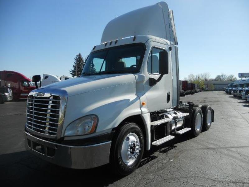 2013 Freightliner CASCADIA | Semi Truck - Bolingbrook, IL